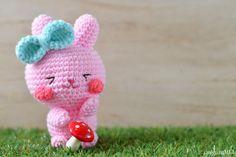Easter bunny amigurumi pattern: Ichigo-chan!