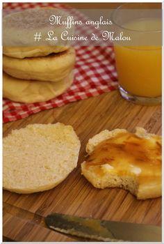 recette-pain-du-monde-muffins-anglais-thermomix-main