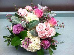 Summer Pretty - Taken at Groveland Fairways - http://www.bowlerandjones.com #wedding