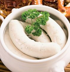 White sausages - Culinary recipes - Romanian and international cuisine White Sausage, Expensive Taste, Cinnamon Cream Cheeses, Pumpkin Spice Cupcakes, Fall Desserts, Ice Cream Recipes, Eat Cake, Healthy Snacks, Snack Recipes