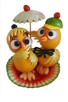 More My Favorite Food Art - Food Carving Ideas L'art Du Fruit, Deco Fruit, Fruit Art, Fruit Food, Fruit Cakes, Food Food, Veggie Art, Fruit And Vegetable Carving, Edible Food