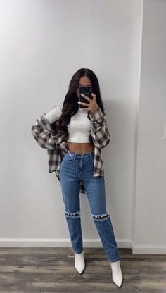 Baddie Outfits Casual, Cute Comfy Outfits, Stylish Outfits, Basic Outfits, Cute Outfits For Winter, Cute Flannel Outfits, Cute Simple Outfits, Crop Top Outfits, Outfits With Skinny Jeans