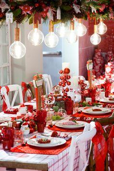Una Navidad en rojo, sigue siendo tendencia.EFE