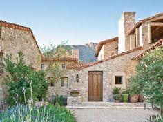 Mediterranean homes – Mediterranean Home Decor Tuscan Design, Tuscan Style, Earthy Home, Tuscan House, Desert Homes, Mediterranean Home Decor, Italian Villa, Tuscan Decorating, Grand Homes