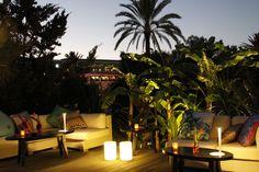 Roberto Cavalli ouvre un restaurant à Ibiza le Cavalli Restaurant & Lounge http://www.vogue.fr/mode/news-mode/diaporama/roberto-cavalli-ouvre-un-restaurant-a-ibiza-cavalli-restaurant-lounge/19628#!roberto-cavalli-ouvre-un-restaurant-a-ibiza-cavalli-restaurant-amp-lounge