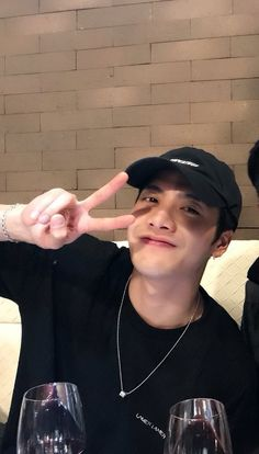 """""""WARNING: do not open this thread if you suffer from the extreme inability to control your feelings for Jackson Wang"""" Got7 Jackson, Jackson Wang, Mark Jackson, Youngjae, Kim Yugyeom, Jaebum, Jinyoung, Markson, Boyfriend Material"""