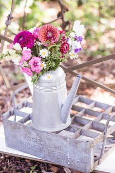 #hochzeitsekoration Sommerliche Vintage Hochzeit von Farbgold | Hochzeitsblog - The Little Wedding Corner