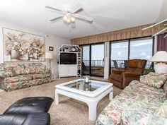 Surf Dweller 502 Fort Walton Beach (Florida) Situated in Fort Walton Beach, this air-conditioned apartment features a balcony. The property features views of the sea and is 1.9 km from Jet Stadium. Free WiFi is featured throughout the property.