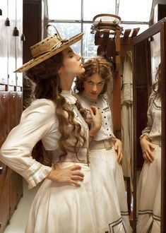 Period dramas you can stream for free on VUDU in August! Romantic Period, Estilo Grunge, Princess Aesthetic, Period Dramas, Vintage Dresses, Vintage Fashion, Photoshoot, Poses, Portrait