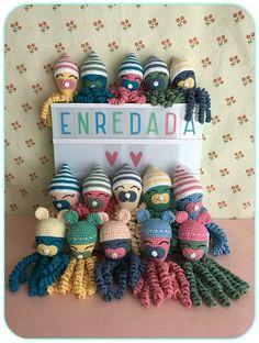 enredada en...: CROCHETMANIA: PULPOS SOLIDARIOS II Crochet Dolls, Knit Crochet, Knitting Patterns, Crochet Patterns, Baby Octopus, Crochet Octopus, Types Of Craft, Diy Crafts For Gifts, Cross Stitch Embroidery