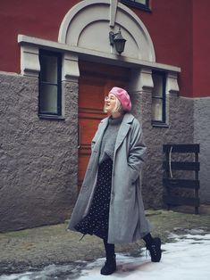 DIY: OHJE HELPPOON VILLAPAITAAN x 2 | Fashion Statement Beret, Scandinavian Style, The Originals, Coat, Jackets, Diy, Fashion, Down Jackets, Moda