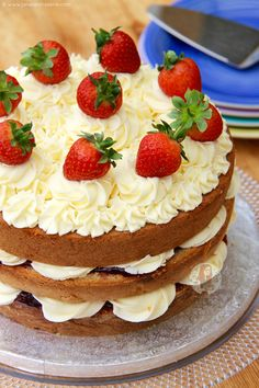 A delicious Classic Bake – A Victoria Sponge. Soft & Light Cakes, Strawberry Jam, Vanilla Buttercream & Fresh Strawberries! Strawberry seasons isn't quiiiite here yet,...
