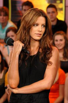 Kate Beckinsale- this talented English actress went to Oxford and speaks Russian. Can you believe she's in her 40s?
