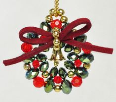 Beadwork, Christmas Wreaths, Holiday Decor, Recipes, Accessories, Log Projects, Pearl Embroidery, Recipies, Ripped Recipes
