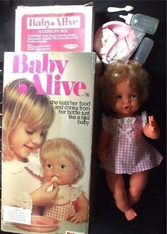 Baby Alive... I had one of these when I was a kid Childhood Toys, 1970s Childhood, My Childhood Memories, Best Memories, Vintage Toys 1970s, Vintage Dolls, Vintage Paper, 1980s Christmas, Christmas Presents