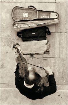 Busker Violin