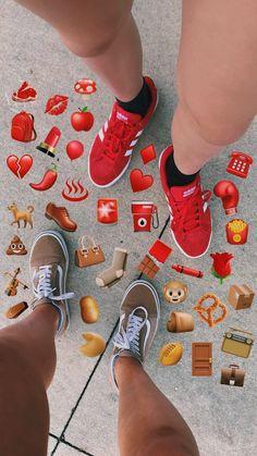 red v brown Emoji Wallpaper Iphone, Cute Emoji Wallpaper, Aesthetic Iphone Wallpaper, Snapchat Picture, Instagram And Snapchat, Red Aesthetic, Aesthetic Pictures, Snapchat Emojis, Emoji Photo