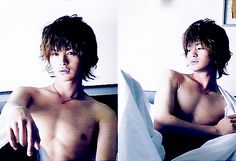 pic+of+seto+koji | Seto Koji showing his moobs *_____* nipples in the morning are welcome ...