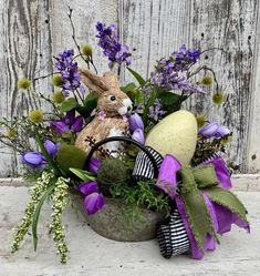 húsvéti virágok: 11 thousand results found on Yandex. Easter Flower Arrangements, Easter Flowers, Easter Projects, Easter Crafts, Hoppy Easter, Easter Bunny, Diy Osterschmuck, Easter Table Decorations, Easter Centerpiece