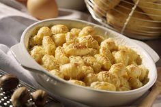 """This Baked Gnocchi """"Mac and Cheese"""" with Cauliflower recipe is creamy, classic and oh-so delicious. Your family and friends are sure to demand a repeat performance. Kraft Recipes, Pasta Recipes, Cooking Recipes, Healthy Recipes, What's Cooking, Baked Cauliflower, Cauliflower Recipes, Baked Gnocchi, Fried Apples"""