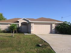 1711 SW St Cape Coral - 3 Bedrooms, 2 Bathrooms :: Home for sale in Cape Coral, FL MLS# Learn more with Royal Shell Real Estate Condos For Sale, Property For Sale, Cape Coral Real Estate, Luxury Estate, Waterfront Property, Fort Myers, Estate Homes, Home Buying, Royal Shell