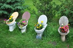 Easy and Cheap DIY Garden Art Projects To Dress Up Your Garden: DIY, a way of doing yourself without someone aid. Our project is to use recycled material to dress up our garden. Diy Art Projects, Garden Projects, Garden Ideas, Amazing Gardens, Beautiful Gardens, Unusual Flowers, Colorful Flowers, Garden Architecture, Architecture Design