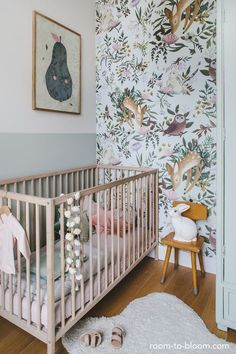 Girl Nursery Ideas – Bring your infant girl residence to a cute and also practical nursery. Right here are some infant girl nursery design ideas for every one o… – Home Decoration Woodland Nursery Girl, Chic Nursery, Nursery Room, Woodland Room, Vintage Nursery Girl, Whimsical Nursery, Child's Room, Wall Paper Nursery, Hippie Nursery