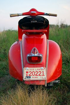 1964 Vespa Motor Scooter - This thing is off the hook!