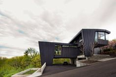 Hillside home by Skylab Architecture . Third Annual Modern Home Tour | Portland Monthly