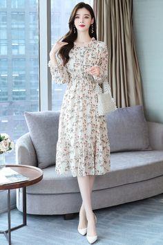 Frock Fashion, Korean Fashion Dress, Korean Dress, Indian Fashion Dresses, Girls Fashion Clothes, Frock For Women, Elegant Dresses For Women, Stylish Dresses For Girls, Casual Dresses