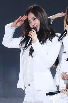 141025 Snsd, Seohyun, Kwon Yuri, Girls Generation, Girl Crushes, Stage, Kpop, Coat, Sweet