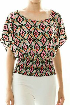 Love this top: basically a rectangle with shirred waist. Kurta Designs, Blouse Designs, Work Tops, Indian Designer Wear, Look Chic, Blouse Styles, Cute Tops, Casual Wear, Tunic Tops