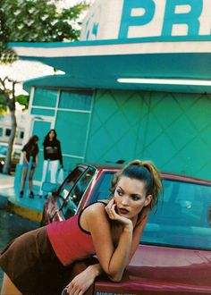 kate moss looking ghetto chic