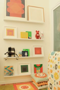 perfectly what i was looking for {{ display for their favorite books and most loved toys, and art for mommy}}