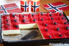 17. Mai, Norwegian Food, Sweet Cakes, Cheesecakes, Nom Nom, Cake Recipes, Buffet, Raspberry, Deserts