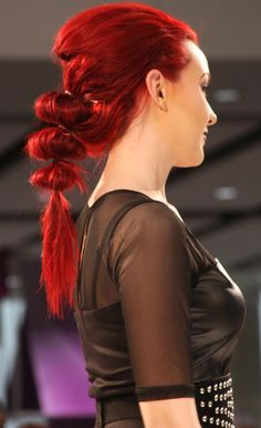 HOW-TO: The Bubble Technique - Create Bubbles in the Hair  |  ModernSalon.com
