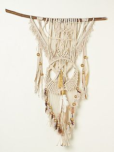 Free People Macrame Feather Wall Hanging at Free People Clothing Boutique -idea Arts And Crafts, Diy Crafts, Handmade Crafts, Decor Crafts, Deco Boheme, Macrame Projects, Textiles, Decorating Tips, Fiber Art