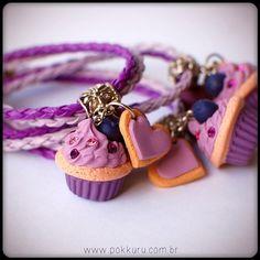 pulseira com mini cupcake de berries com cristais swarovski - pokkuru - doceria de bijoux