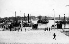 Nieuwe pontsteigers voor pont bij Velsen. 27 augustus 1940.