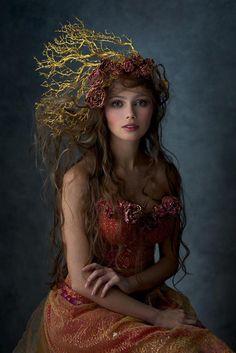 Altro ritratto della nobile Sheriin di Helvezia, la veggente che fece luce sul futuro di Edan. Qui con un outfit che farebbe scandalo in una corte Abneade ma che delizierebbe la sindaca Farlyn <3