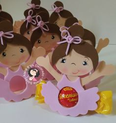 Porta bombom bailarina Foam Crafts, Diy And Crafts, Dance Crafts, Ballerina Art, Quilled Paper Art, Chocolate Bouquet, Ideas Para Fiestas, Easy Gifts, Baby Shower Decorations