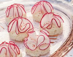 These Radish Ruffle Canapés are simple and delicious.
