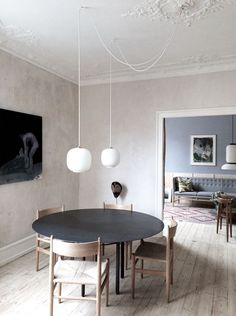 This beautiful Copenhagen apartment belongs to architects Justine Bell and Jonas Diernes. Featured in Elle Decoration South Africa earli...