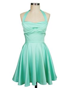 We love the idea of the Mint Condition Dress as a #bridesmaid dress, it has a built in bra and the straps are removable. Plus, the skirt was made for twirling on the dance floor!