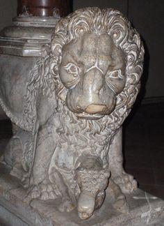 Pistoia, San Giovanni Fuorcivas, pulpito (1270). Opera di Fra' Guglielmo e (forse) di Arnolfo di Cambio