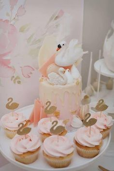 Cupcakes | Swan Party by Little Big Company