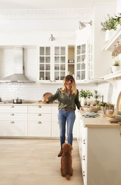 The kitchen he always dreamed of- La cocina con la que siempre soñó MG The kitchen he always dreamed of - Ikea Kitchen, Kitchen Dining, Kitchen Decor, Beautiful Kitchens, Beautiful Interiors, Küchen Design, Interior Design, Hamptons Kitchen, English Interior