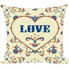 A Almofada Love é uma das opções mais simples para renovar um espaço. Seja na sala, no quarto, colorindo o escritório ou enfeitando sua poltrona especial, elas têm o poder de fortalecer estilos e criar novas atmosferas de aconchego. Visite www.luisadecor.com.br