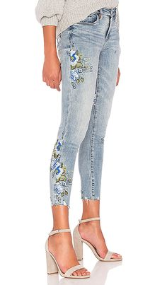 Shop for BLANKNYC Embroidered Skinny Jean in Back to Nature at REVOLVE. Embroidery On Clothes, Embroidered Clothes, Diy Embroidered Jeans, Painted Jeans, Painted Clothes, Jeans Denim, Skinny Jeans, Vestido Charro, Denim Fashion