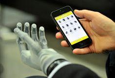 Impresoras 3D: Un gran avance para el mundo y la sociedad.   Thanks to 3D printing prosthetics can now be built faster and way cheaper than ever before. http://voc.tv/1cRrjAQ  Posted by Vocativ on Martes 25 de agosto de 2015  En esta vida adaptarse es obligatorio crecer es opcional.  La tecnologia tiene como unico fin ayudar al ser humano el uso que le demos ya depende de nosotros mismos. Un gran avance para el mundo y la sociedad. Impresoras 3D  Gracias a la impresión 3D  las prótesis puede…